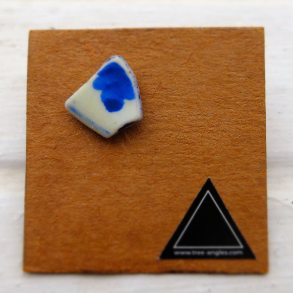 ►►△ Ceramic earring [1]